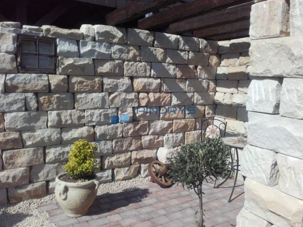 Sandstein Mauersteine 30x30x60 cm Lagerfugen gesägt, Trockenmauer aus Polen